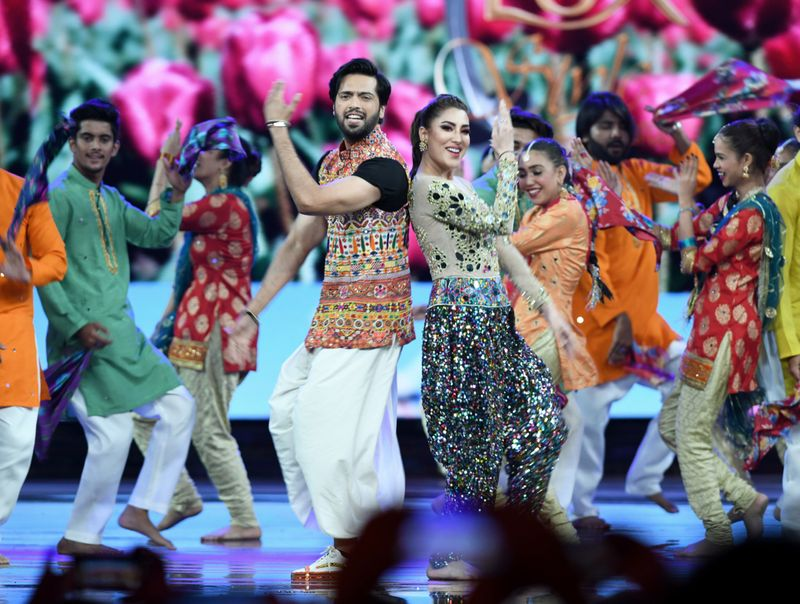 Mehwish Hayat and Fahad Mustafa perform on a song from their film LOAD WEDDING-1562763404062