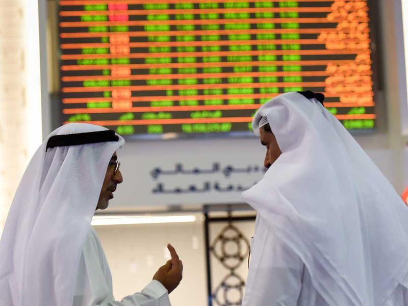 Pedagang di Pasar Keuangan Dubai (DFM)