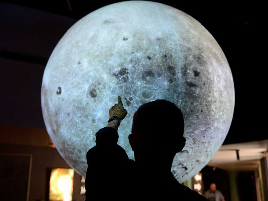 190715 lunar globe