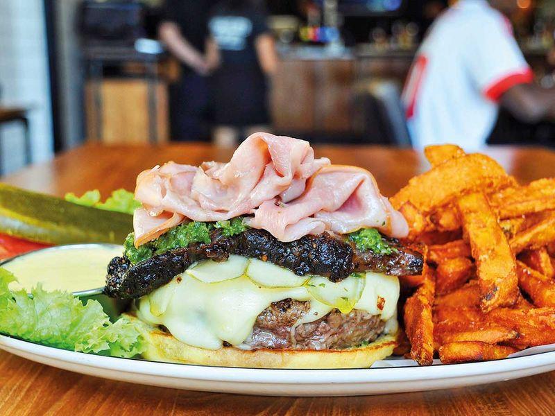 190719 cuban burger
