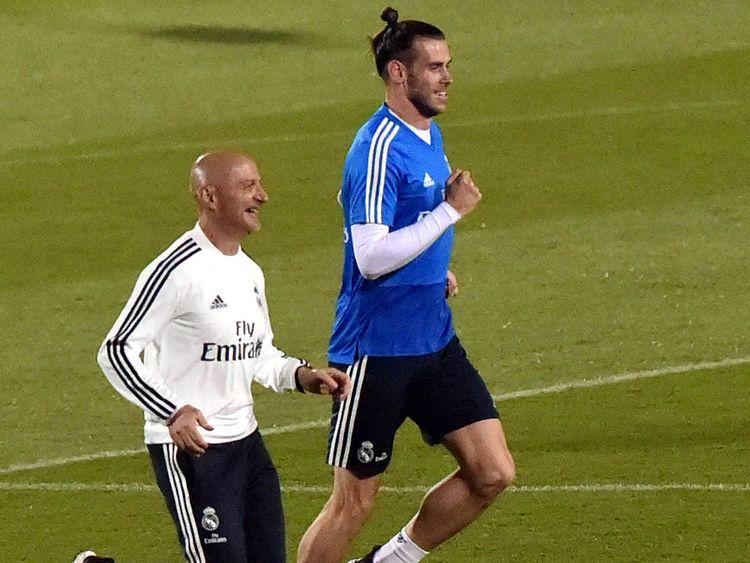 Football-Bale