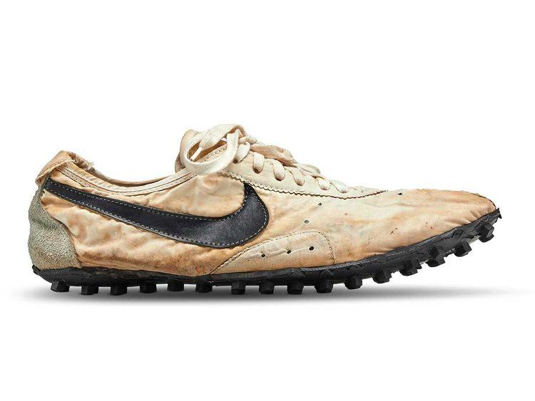 190724 nike moon shoe