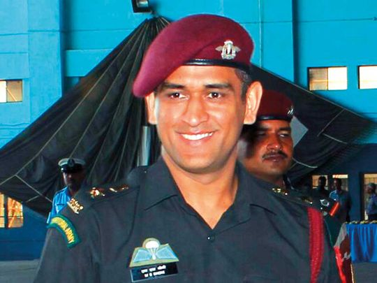 Dhoni begins training with Parachute regiment