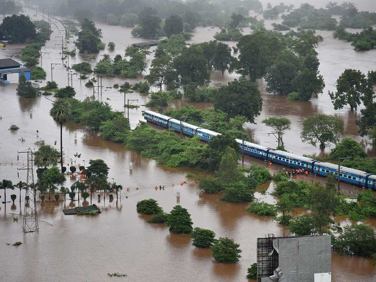 Mahalaxmi Express train