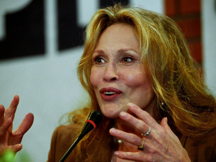 Faye Dunaway fired from Broadway show after fight | Hollywood ...