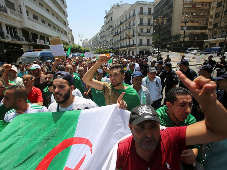 2019-07-26T175436Z_1159421718_RC14F698DC90_RTRMADP_3_ALGERIA-PROTESTS-(Read-Only)