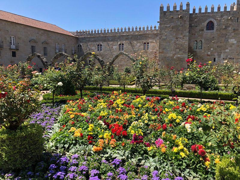 A garden in Braga-1564404837399
