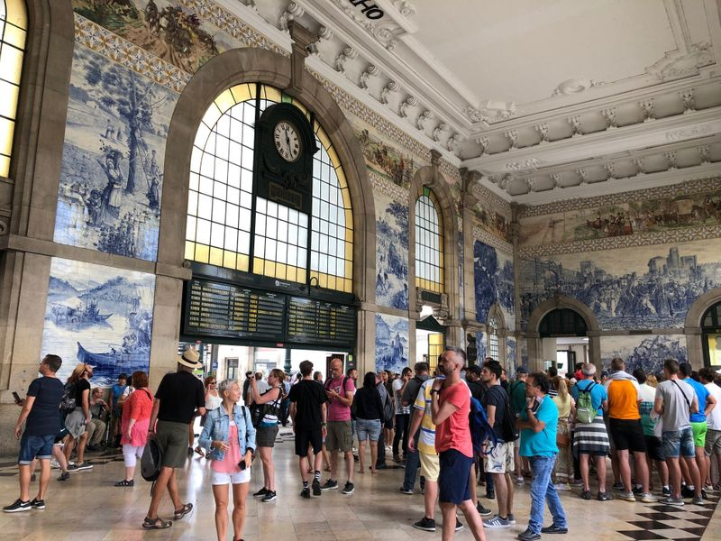 The famed Porto Railway Station-1564404864919