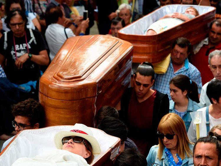 190730 caskets