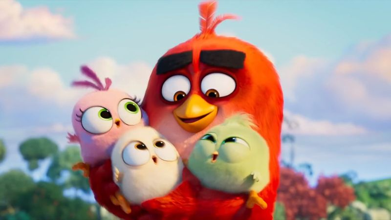 Jason Sudeikis and Brooklynn Prince in The Angry Birds Movie 2-1564813092278