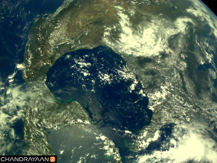 Earth as viewed by #Chandrayaan2 LI4 Camera on August 3, 2019