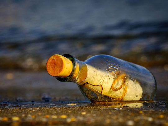 message-in-a-bottle-3437294_1920
