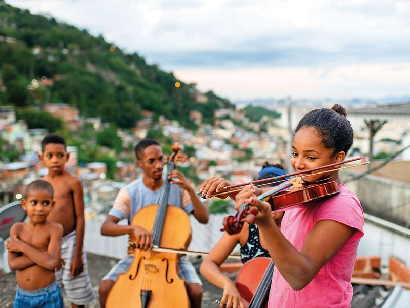 Residents of the Morro dos Macacos favela