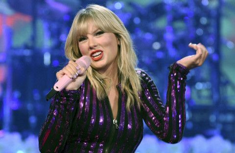 Taylor Swift-1565419972327