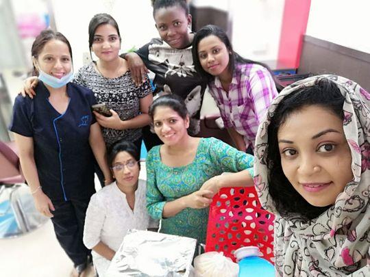 NAT-190811-Reshma--Sainulabdeen-with-ladies-at-a-salon