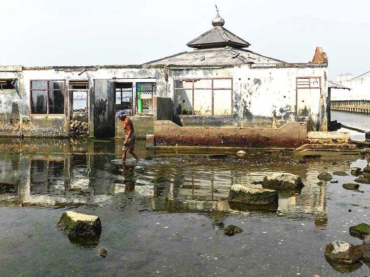 190816 indonesia sinking