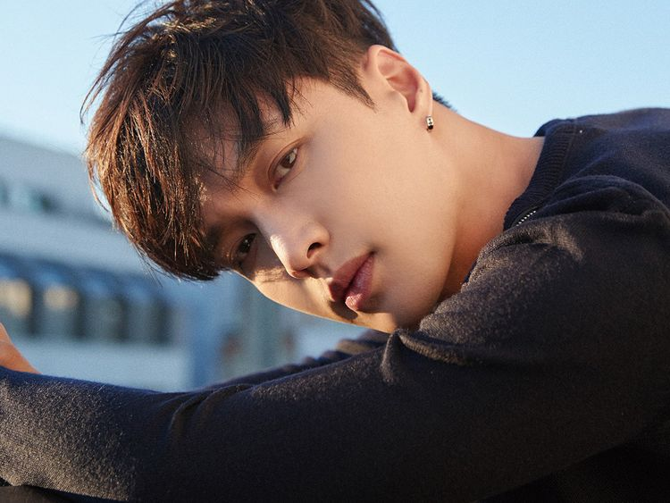 EXO's Lay Zhang 1-1566047235886