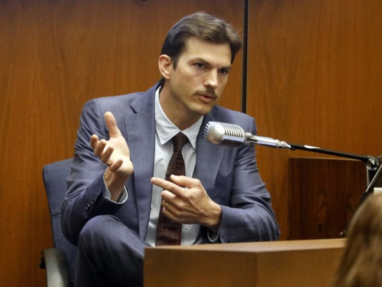 Ashton Kutcher Ripper-1566106894643