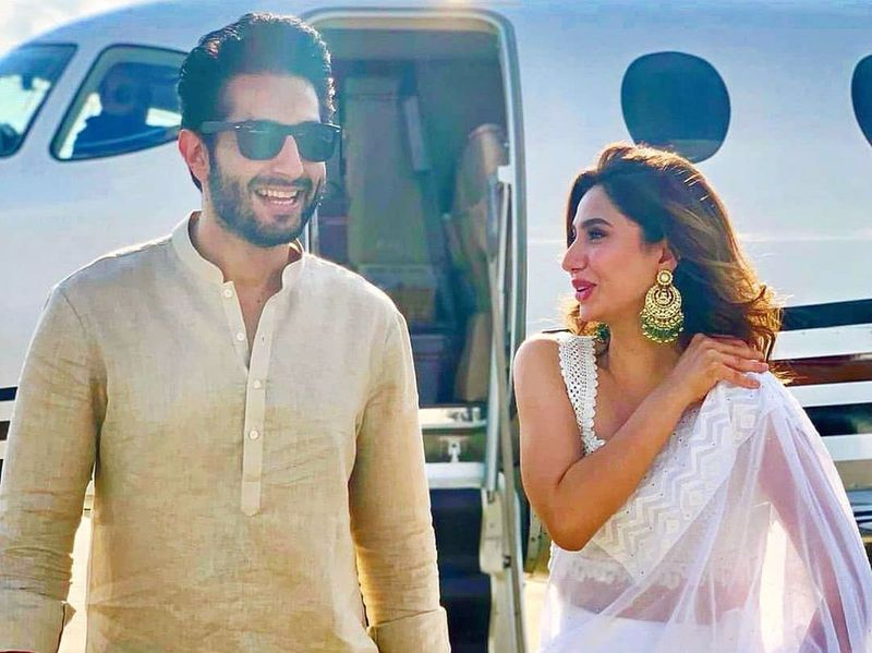 Mahira Khan and Bilal Ashraf arrive in Housten to promote their film SUPERSTAR-1566198525075