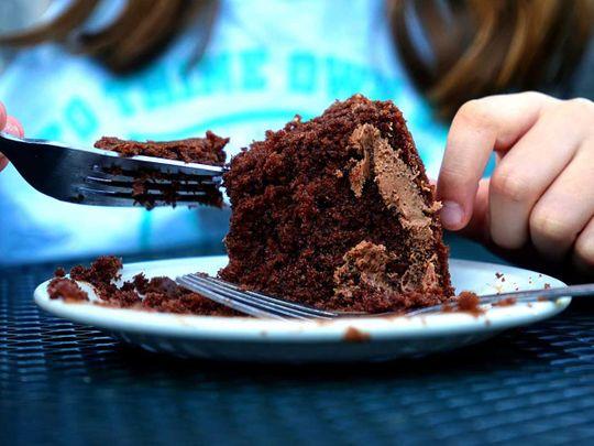 190821 eating cake