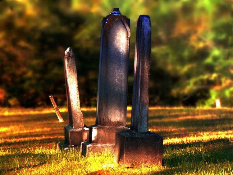 190822 graveyard
