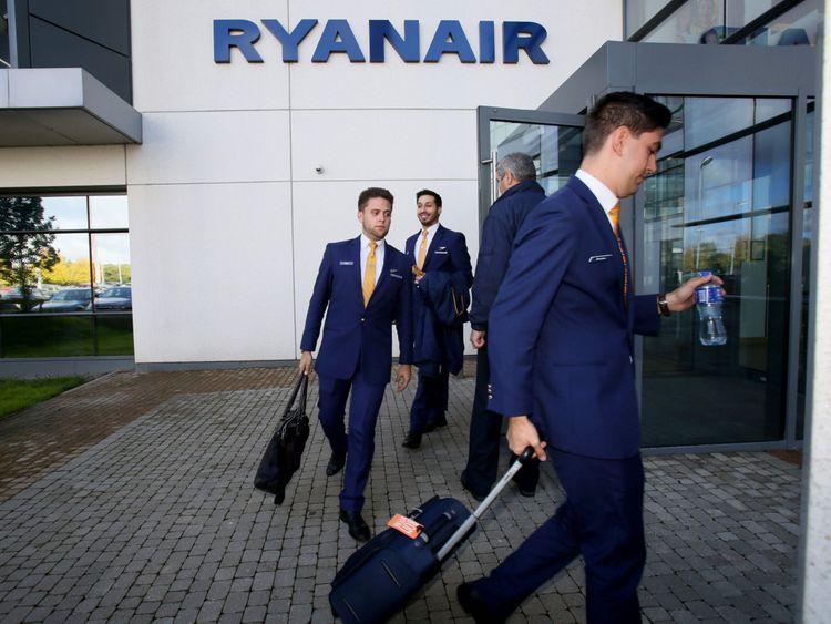 Ryan Air-1566459134598