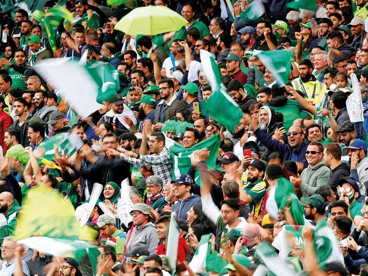 190823 pakistan fans