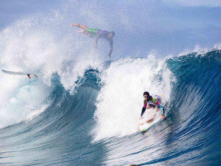 190826 surfers