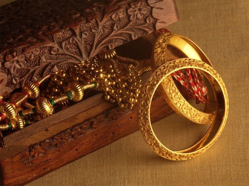 Gold, jewellery, gold ornaments