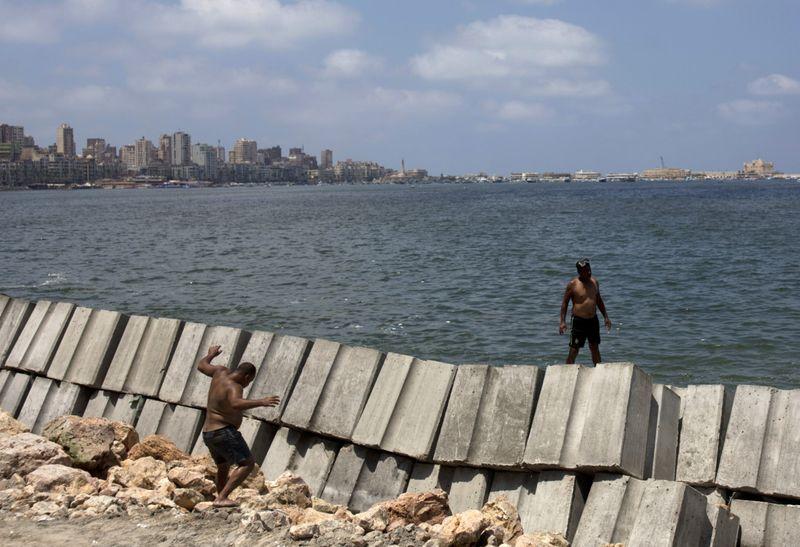 Copy of Egypt_Sinking_Alexandria_93179.jpg-b827a~1-1567148513297