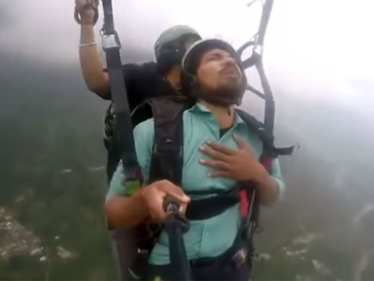 Hilarious paragliding video goes viral on social media