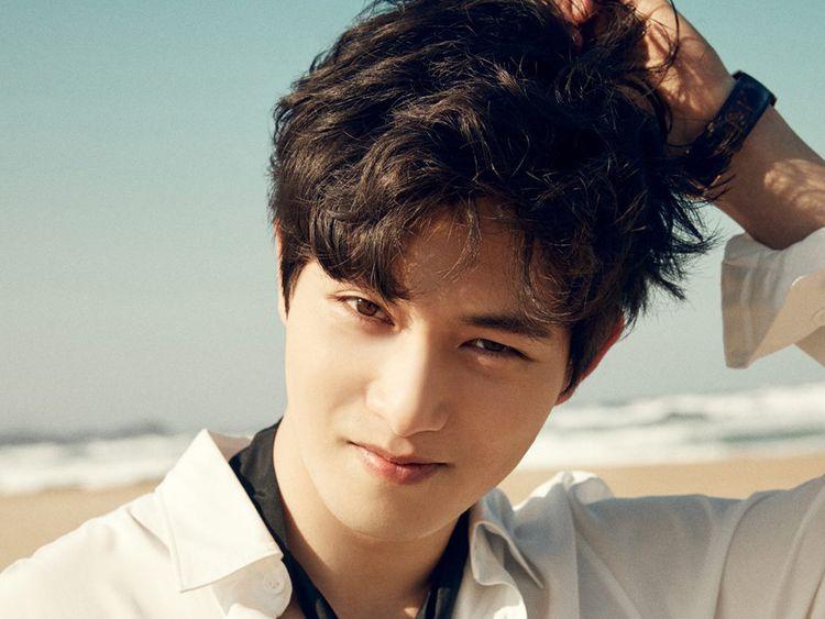 Lee Jong-hyun 1-1567259554083