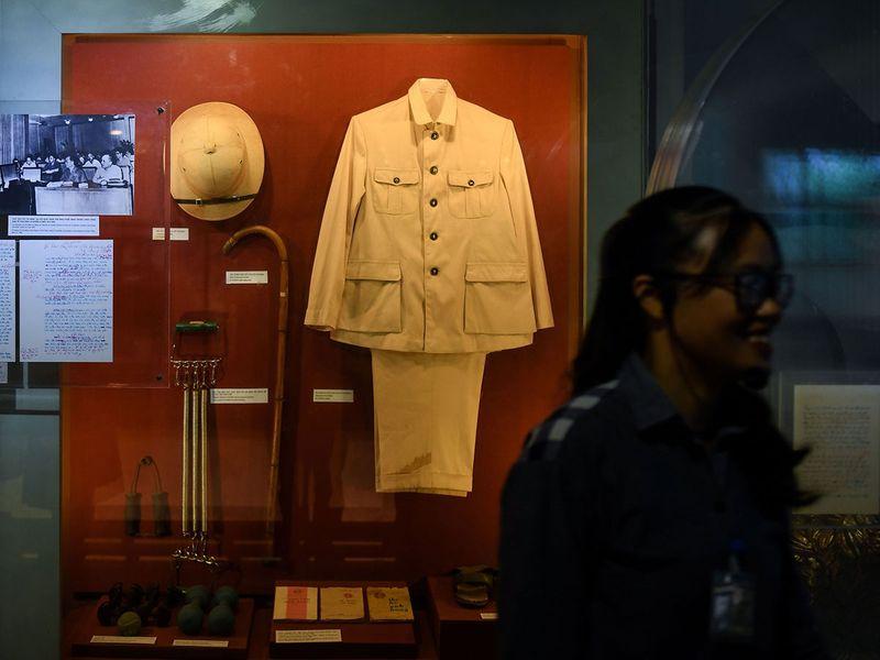 Ho Chi Minh clothes