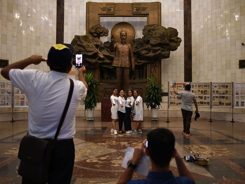 tourists hanoi
