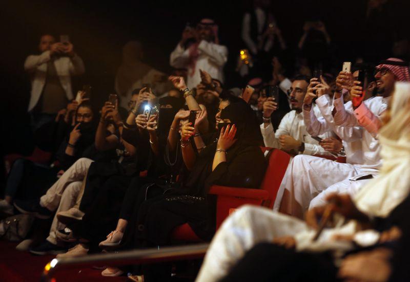 Copy of Saudi_Festival_35769.jpg-d4ddc~1-1567405741881