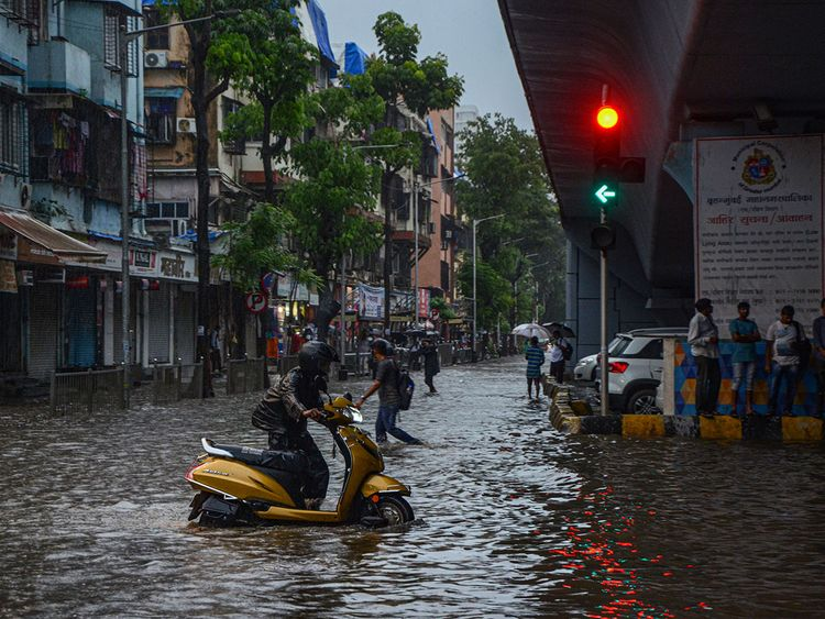 Rains pound Mumbai, schools ordered shut   India – Gulf News