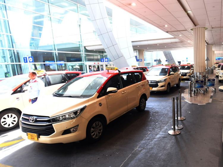 190906 airport taxis