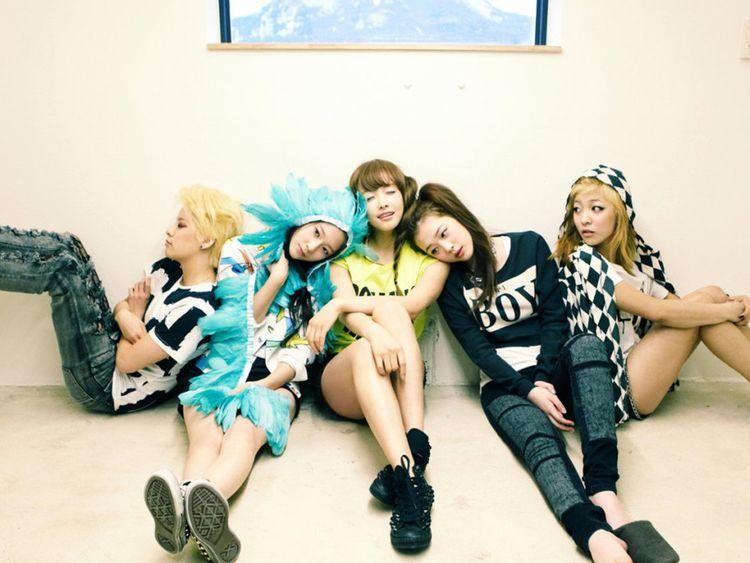 f(x) – L to R – Amber, Krystal, Victoria, Sulli and Luna-1567861004901