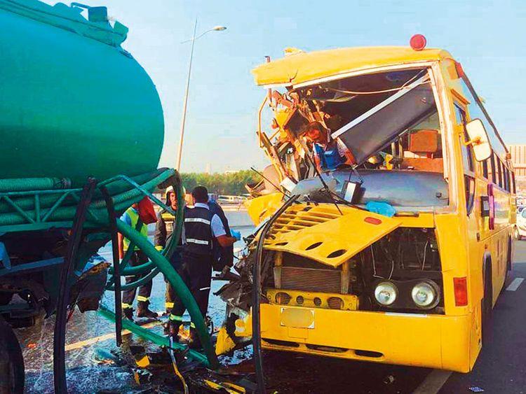 190909 bus truck colllision