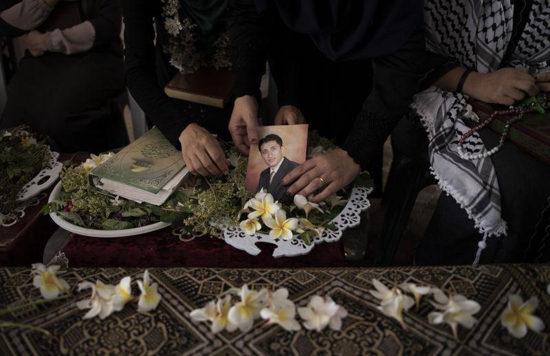 Copy of Palestinians_Leaving_Gaza_71017.jpg-cf375-1568014388794