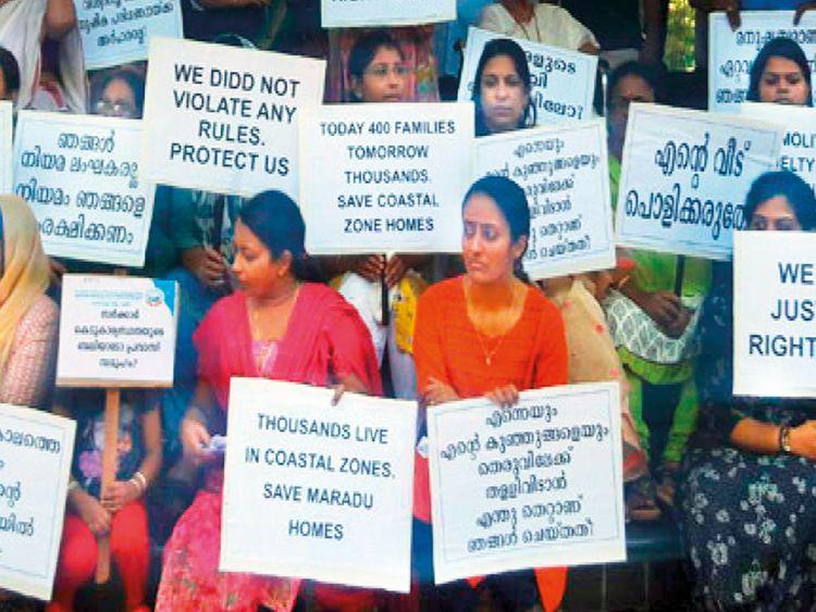 Maradu-holyfaith-residents-protest-(Read-Only)