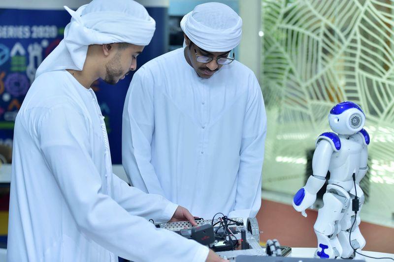 NAT 190917 AI and Robotics CE03-1568724925870