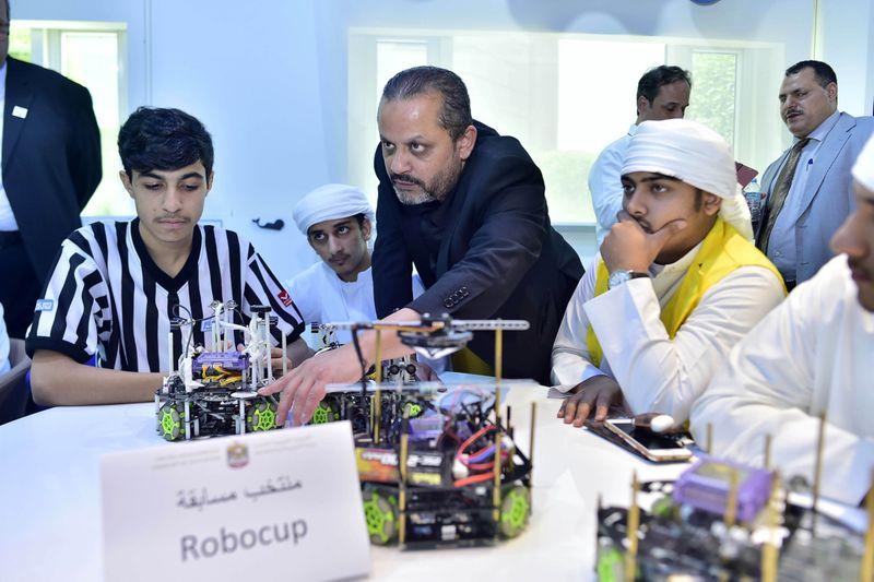 NAT 190917 AI and Robotics CE18-1568724944897