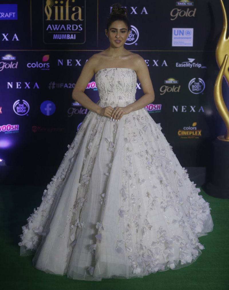 TAB 190919 IIFA CARPET422-1568883922882