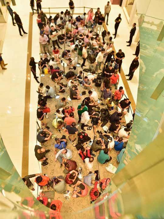 Apple iPhone 11 rush at Dubai Mall 20190920