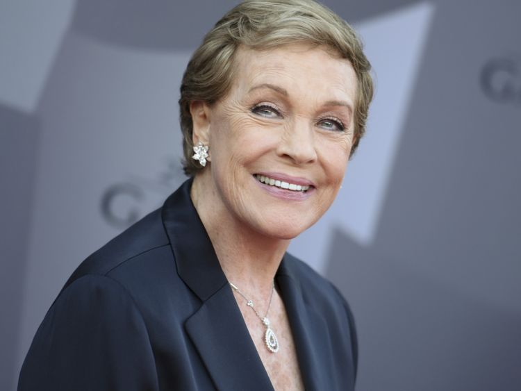 Julie Andrews-1569050499484
