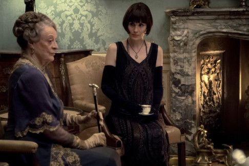 Maggie Smith-1569158257593