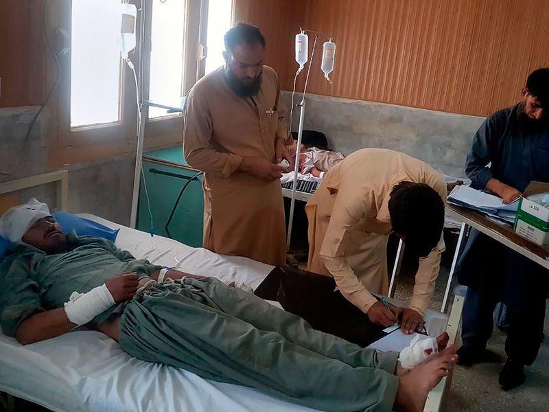 Pakistan_Bus_Crash_99964.jpg-fd76b-(Read-Only)