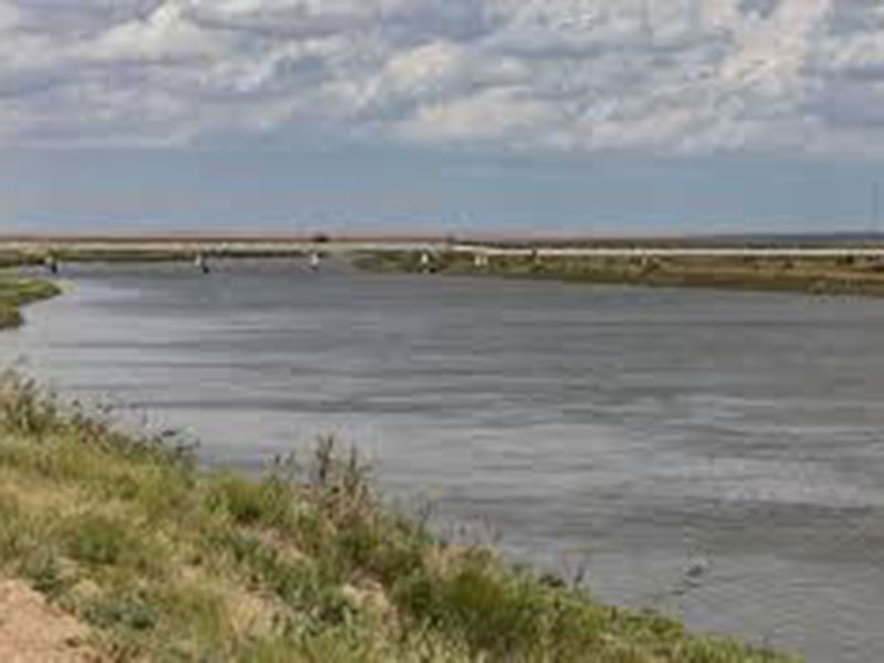 Syr Darya river