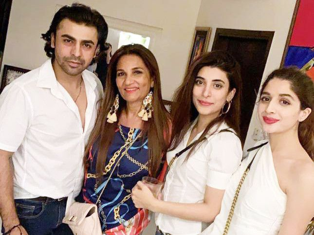 Farhan Saeed, Frieha Altaf, Urwa and Mawra Hocane at the birthday bash-1569221158952